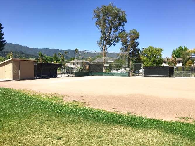 se95120_field_softball_1.2