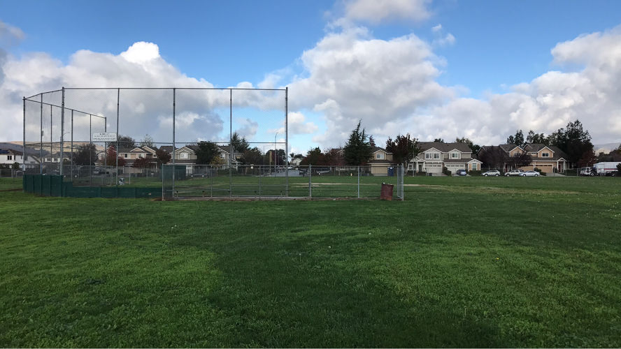 etes95037_baseball_field_3