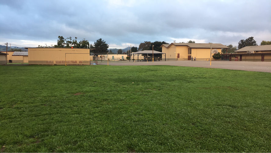 smges95046_soccer_field_2