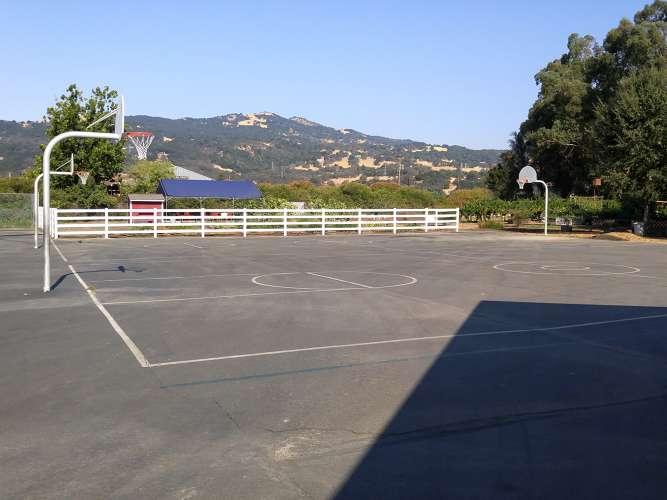 svs94534_outdoor_basketball_1.1
