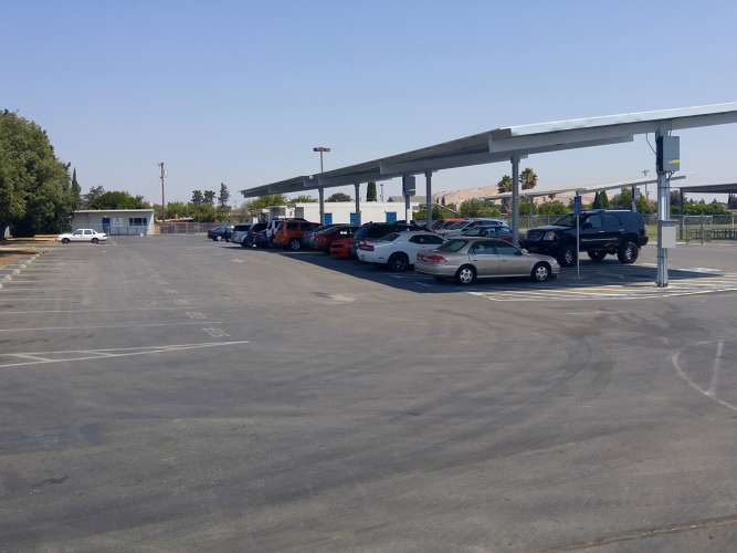 akes94533_outdoor_parking-lot_1.1