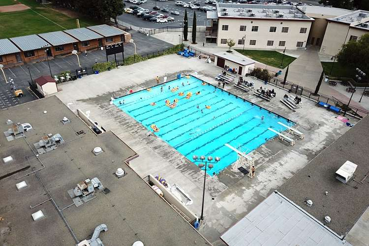 avhs94566_outdoor_pool_1.2