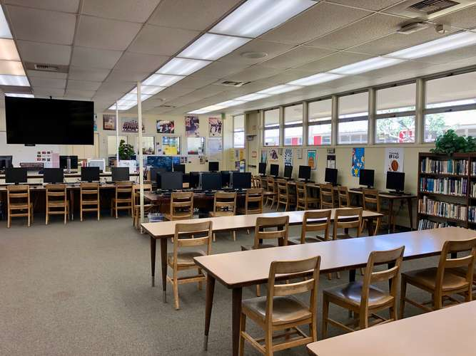 rmhs93036_Library_2