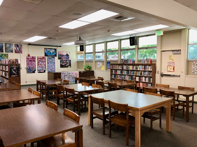 rmhs93036_Library_3