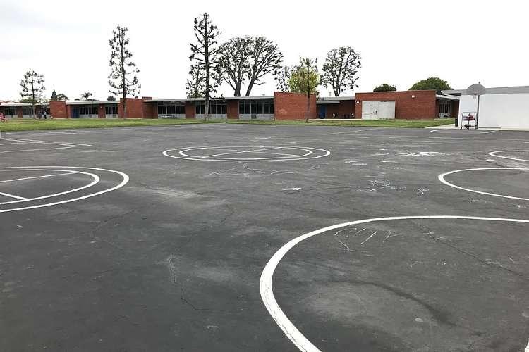 aes92844_outdoor_basketballcourt_1.2