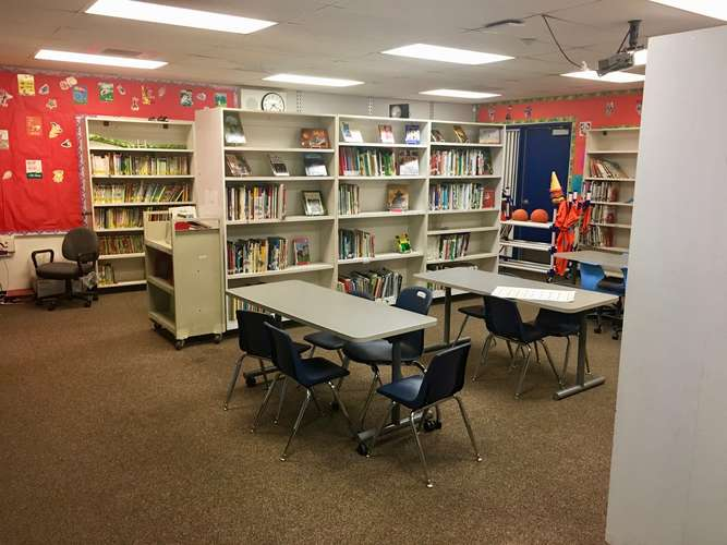 raes95035_Library_2
