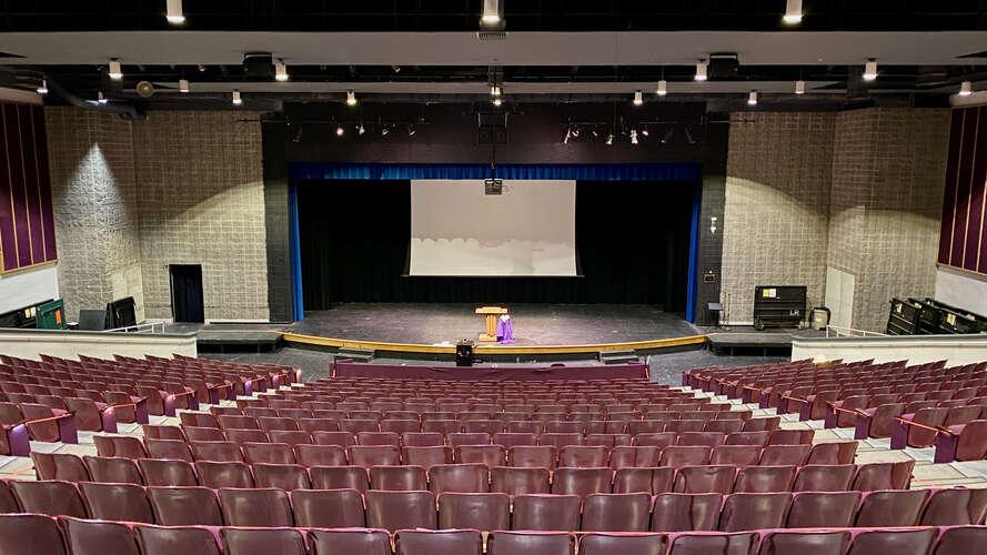 rhs27712_Auditorium_5