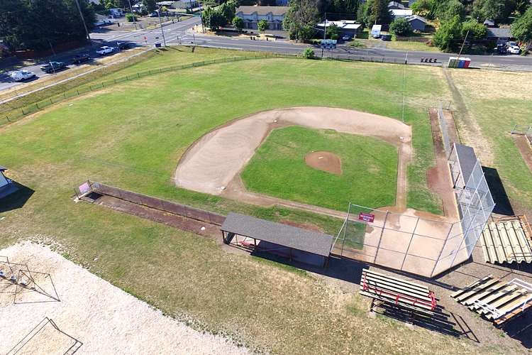 laes9712_field_baseball1.1