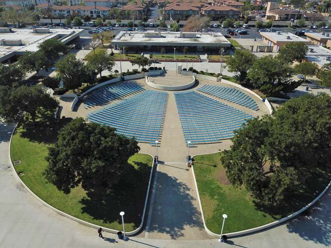 fvhs92708_outdoor_ampitheater_1.1