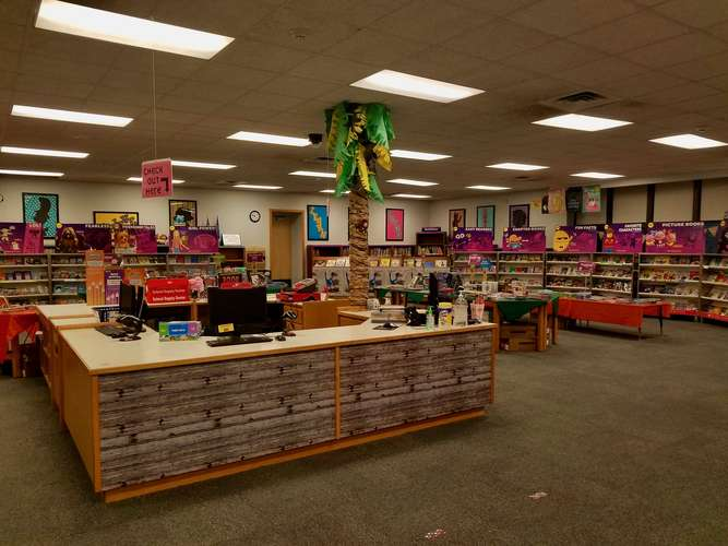wle73069_Library_1