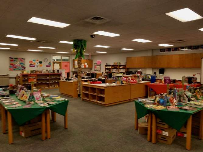 wle73069_Library_2