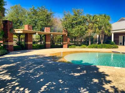 Resort Pool – Pool Party 1 (Beach)