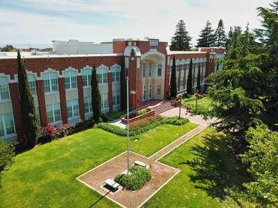 San Mateo High School